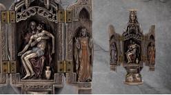Vierge de Pitié, représentation de la Pietà avec la vierge Marie et sculpture au centre, en résine finition bronze ancien, collection Terre des Dieux, 20cm