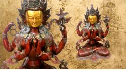 Sculpture en laiton massif représentative de Bouddha, Kharyacharya assis finition rouge carmin et vieux doré, 35kg - 78cm