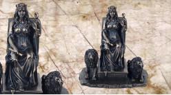 Cybèle, représentation de la déese mère gardienne du savoir en résine finition vieux bronze, collection Mythologie grecque, 19cm