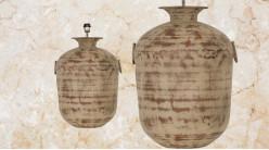 Pied de lampe amphore en métal, modèle Casablanca de Ø44cm, finition terre sableuse avec anses latérales, 66cm