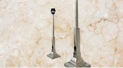 Pied de lampe contemporain en métal, modèle Nevada de 49cm, colonne carrée sur socle, finition chromé argent