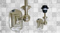 Base d'applique en métal finition chromée, forme de L avec base ovale et boules déco, 20cm
