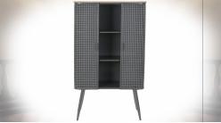 Armoire en bois et métal finition grise, portes ajourées effet cannage ambiance industrielle, 133cm