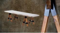 Longue table basse en bois et métal, finition naturelle et plateau effet zinc riveté, ambiance rustique, 150cm