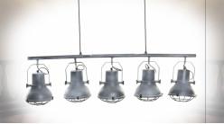 Suspension luminaire à 5 feux en métal finition gris clair ambiance industrielle, 130cm