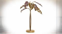Grande lampe à poser en forme de feuilles finition dorée et rose poudré ambiance moderne chic, 72cm