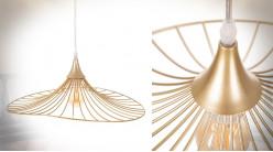 Suspension Libellule en métal doré effet brossé, filamentée et aérienne, Ø50cm