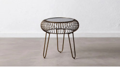 Table d'appoint en métal effet vieux fer, plateau miroir teinté, finition doré laiton ancien, Ø48cm