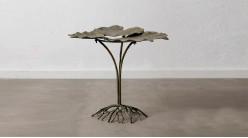 Table d'appoint décorative en forme de nénuphar avec pied en racines, ambiance nature chic, finition vieux bronze, 71cm