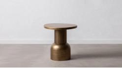 Table d'appoint ronde en métal effet bloc, finition dorée reflets bronze, ambiance contemporaine, Ø51cm