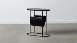 Table d'appoint ovale en métal, marbre et cuir avec porte-magazines, ambiance noire élégante, 59cm
