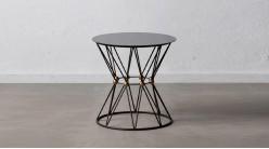 Table d'appoint ronde en métal, forme hyperbolique aérienne avec boules dorées centrales, plateau laqué noir, Ø53cm