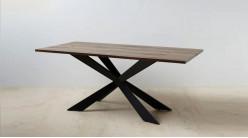Table en bois et pied central en croix, finition naturelle et acier charbon noir, 180cm