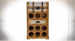 Meuble d'appoint avec 9 casiers pour bouteilles en forme de vieille malle en bois de peuplier finition naturelle ambiance rétro,