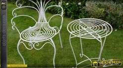 Chaise de jardin en forme de paon coloris blanc antique