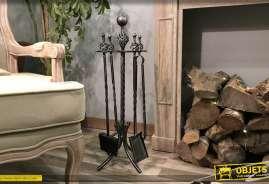 Valet de cheminée en fer forgé style ancien avec 4 accessoires