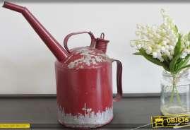 Arrosoir de style indus et rétro coloris rouge finition vieillie