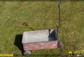 Chariot rétro en acier galvanisé coloris gris rouge effets vieillis