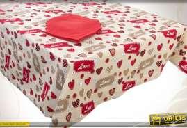 Nappe en coton en 250 x 150 cm avec 8 serviettes rouges, à motifs de coeurs stylisés