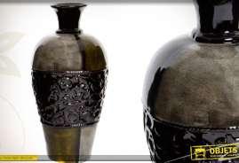Vase à large panse en céramique coloris marron et noir avec ornementations en relief