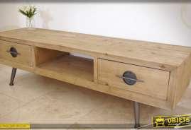 Meuble TV rétro constitué en bois et en métal.