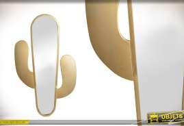 Miroir de déco en forme de cactus en métal doré 76 cm de hauteur finale