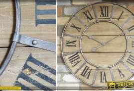 Horloge en bois massif et métal de style industriel et rétro. Diamètre : 66 cm