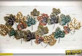 Tableau sur bois vieilli, composition de feuilles mortes en métal et en relief