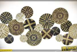 Grande décoration murale en métal, assemblage de cercles ornementés avec des motifs ethniques africains coloris noir et or
