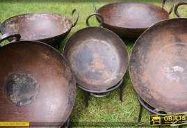 Série de 4 plats Kadai originaux indiens en métal avec supports circulaires