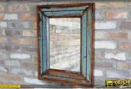 Miroir mural en bois recyclé style récupération et brocante, patine vieillie