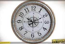 Horloge style bord de mer en métal, zinc et cordage. Diamètre : 60 cm.