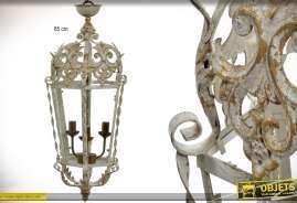 Lanterne suspendue électrifiée en métal de style baroque, patine beige antique avec bloc d'éclairage à trois feux