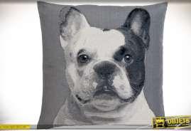 Housse de coussin 60x60 à motif animalier : chien bouledogue anglais