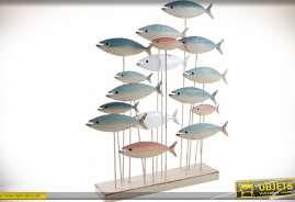 Fresque décorative en 3D sur socle représentant un banc de poissons