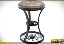 Tabouret original esprit rétro et industriel avec éléments en forme de roue de bicyclette