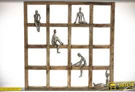 Décoration en bois et aluminium, canevas avec personnages stylisés dans différentes attitudes