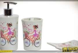 Ensemble en porcelaine à motifs féminins et vintage : distributeur de savon liquide, verre pour brosses à dents et porte-savon assorti.