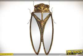 Décoration murale en forme de cigales, aux ailes réalisées en miroirs, en résine, finition bronze doré effets vieilli