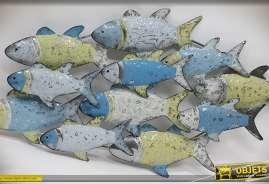 Fresque murale décorative en métal et en relief représentant un banc de poisssons finition multicolore.