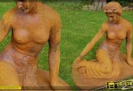 Statue femme assise style antique mi-nue finition vieillie oxydée