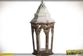Lanterne en forme de tour hexagonale à fenêtrage gothique finition vieilli très prononcée 94 cm