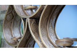 Miroir goutte en métal finition doré ancien, support bougie, ambiance moucharabieh, 88cm de haut