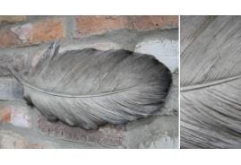 Plume murale en résine, petit modèle de 40cm, finition grise argentée, ambiance de charme