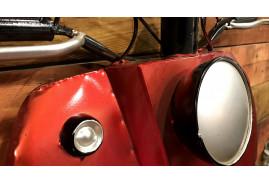 Face avant de scooter en métal, déco rétro indus deux roues finition rouge