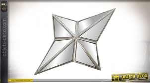 Miroir applique en forme d'étoile argentée avec faces en miroirs 34 cm