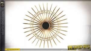 Grand miroir en métal en forme de soleil et de lames de sabres dorées Ø 94 cm