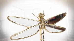 Décoration murale dorée en forme de libellule avec ailes en miroirs