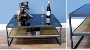Table basse moderne en métal anthracite, plateau en bois de sapin brut et verre épais, carré de 80cm