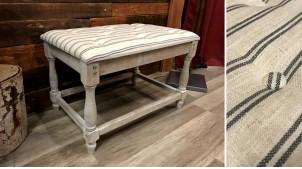 Bout de lit rectangulaire en bois finition blanchi, assise avec motifs rayés ambiance vintage, 59cm